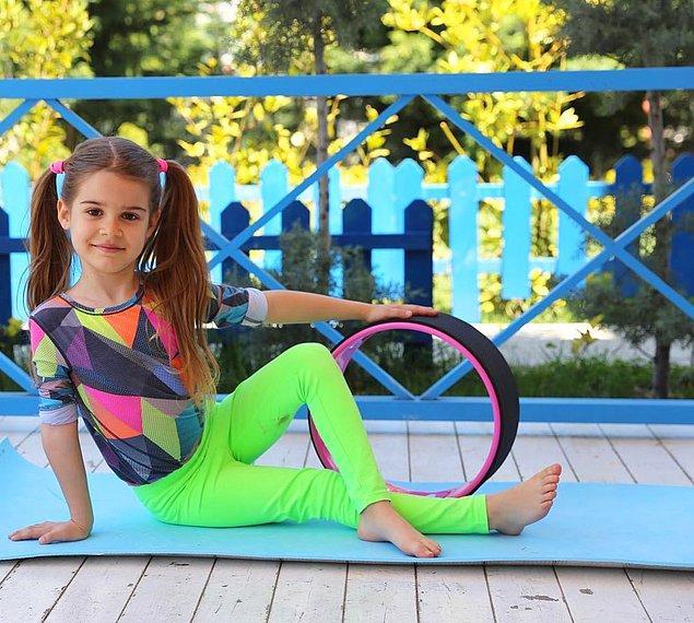 Kısa zamanda Instagram'da takipçi sayısını da artırdı Lavinya. Şu an kendi hesabında 116 bin takipçisi var.