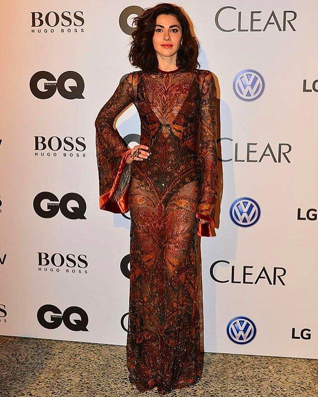 9. Nesrin Cavadzade, transparan elbisesiyle her zamanki gibi bu haftanın konuşulan ismi oldu. Gerçekten çok şık görünüyor!