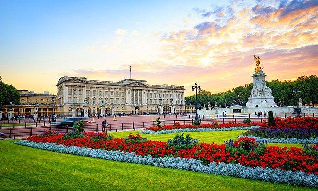 Peki, Buckingham Sarayı'nda başka neler var? Neler yok ki...