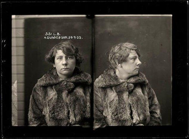 7. Annie Gunderson - Hırsızlık