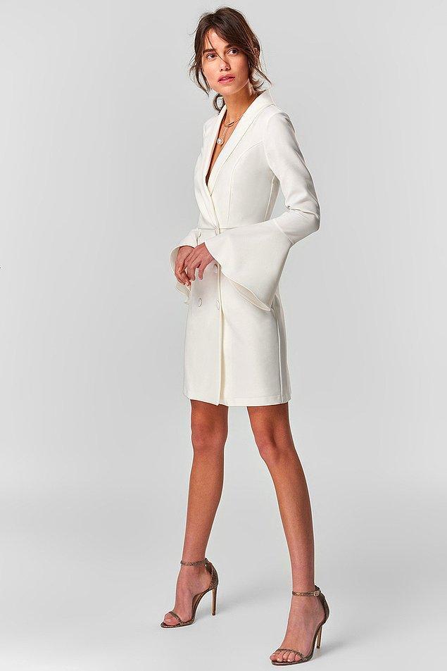 1. İçimizdeki tüm coşkuyu ve asaleti anca beyaz bir elbise ortaya çıkartabilirdi