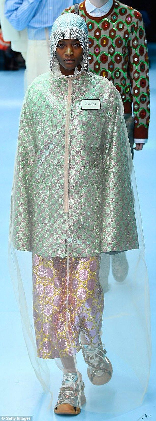 1. Gucci, Milano Moda Haftası'na çarpıcı bir konsept ile katıldı.