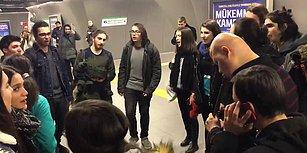 Muhteşemsiniz! Zincirlikuyu Metrosunda Kaval Çalan Görme Engelli Müzisyene Eşlik Eden Müzik Topluluğu