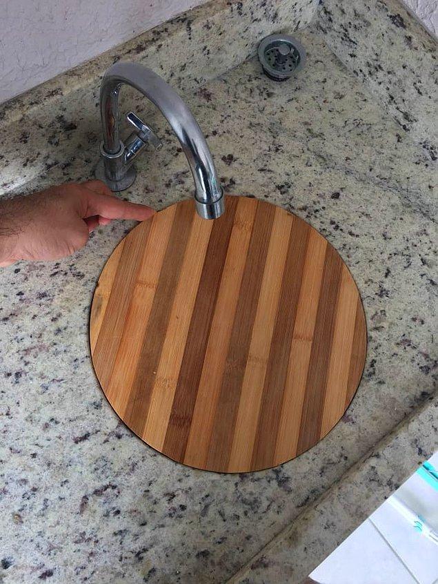 10. Rahatlıkla lavaboya yerleşen kesme tahtası