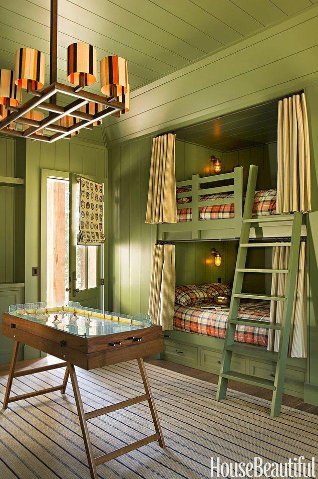 10. Ahşap iç mekanlar için birebir yeşil yatak odası