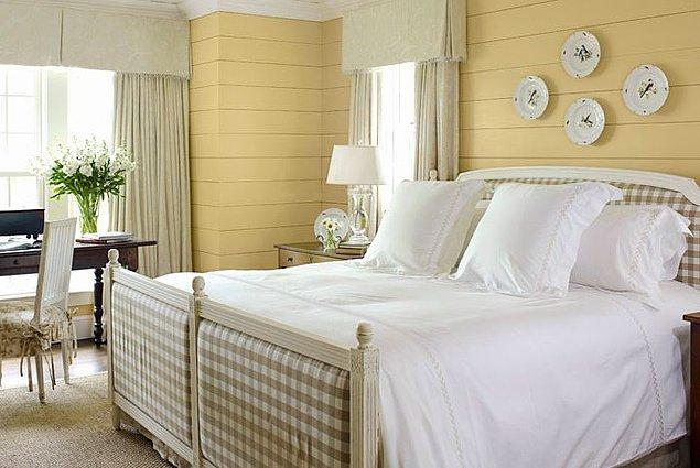 19. Açık hardal, sarı tonlarında rustik model yatak odası