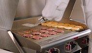 Saatte 150 Hamburger Köftesi Pişirebilen 'Flippy' İsimli Robot