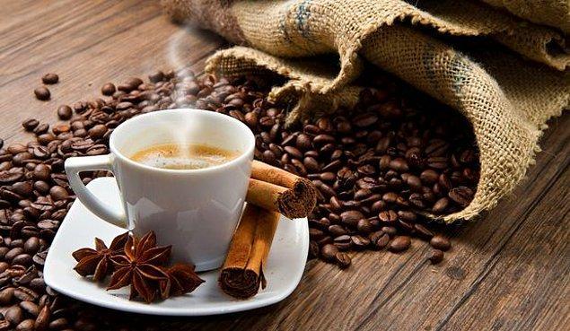 Öğleden sonra 2'den itibaren kafein almayın. Sizi uyanık tutar derin uykuyu bloke eder. Akşam alkol almak pek iyi değil. Sakinleştiricidir, sizi çarpar.