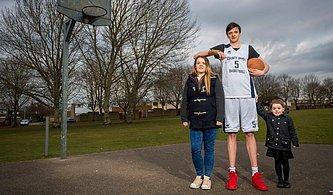 Henüz Gelişimini Tamamlamadı Bile! 2.25 cm ile Dünyanın En Uzun Boylu Genci Brandon Marshall