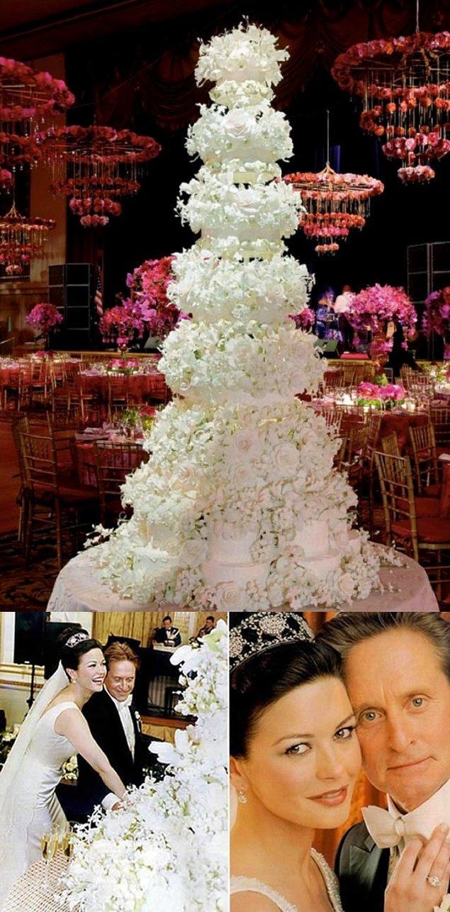 9. Michael Douglas ve Catherin Zeta-Jones'un vanilyalı pastası