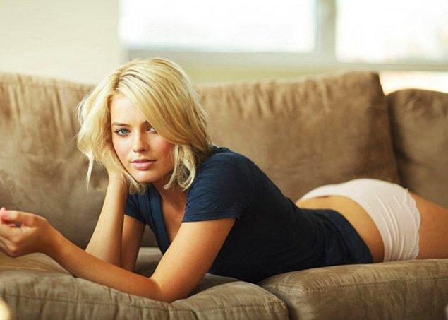 16 - Margot Robbie