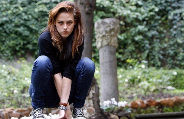 Alacakaranlık serisine dahil olmasıyla birlikte 2008 yılından itibaren uzun bir süre Kristen'ı kahverengi saçlarla görecektik.