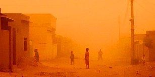 Hollywood Filmi Gibi Görüntü: Sudan'da Bir Şehri Yutan Kum Fırtınasının Korkunç Görüntüsü