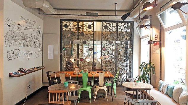 25. Mums Cafe