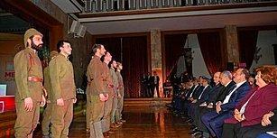 Meclis'teki Tiyatronun Görüntüleri Paylaşıldı: Kadınlar Provada Var, Oyunda Yok!