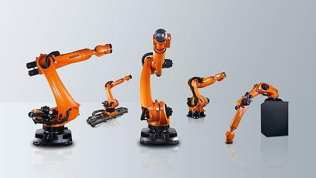 Bir Alman robot üreticisi, ürettiği robotik kolları bu kollar yeni robotik kollar üretebilsin diye tasarladı.