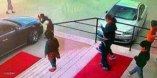 Valinin Aracındaki Türk Bayrağını Öpen Çocuklar