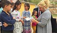 Süper Anneanneler: Kurdukları Yardım Topluluğuyla Çocuklar İçin Atkı Bere Örüyorlar, Okul Yaptırıyorlar