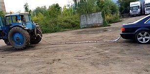 Traktörü Çekemeyince Sinirden Kendi Arabasını Heba Eden Adam