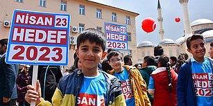 Siyaset, Milli Bayramlara da Bulaştı: Çocuklara 'Nisan 23, Hedef 2023' Dövizi Taşıttılar