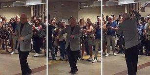 Taksim Metrosunda Yaptığı Dans ile Dünyayı 1 Dakikalığına Güzelleştiren Amca