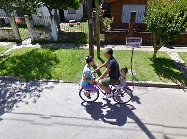17. Bu üçünden biri bisiklet konusunda acemi.