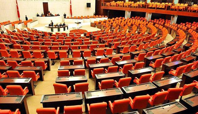 İttifak protokolünde ana hedefin 'parlamenter demokrasiye yeniden dönüş' olduğu kaydedilirken, 'demokrasi' ve 'hukuka' da vurgu yapıldı.