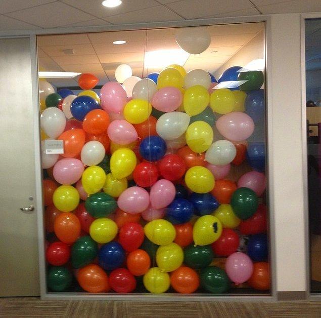 7. Patronunun doğum günü için 2.000 balon hazırlayan sevgi dolu çalışan 😌