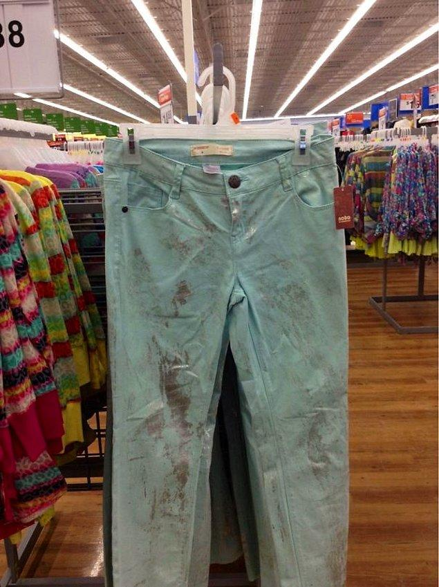 25. Pantolonun deseni böyle, şaka değil.