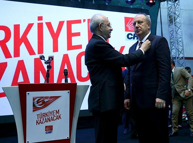 'Herkesin cumhurbaşkanı olacağım' diyen Muharrem İnce, CHP rozetini çıkardı. Kılıçdaroğlu İnce'ye Türk Bayrağı rozeti taktı.