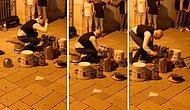 Topladığı Çeşitli Eşyalarla Sokakta Müzik Yapan Adam