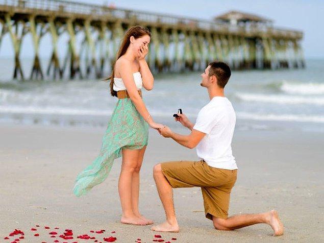 Evlilik teklifi almayı bekliyorsun!