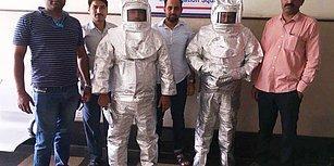 Uzay Seviyesi: Hindistan'da 'NASA Çalışanıyız' Diyerek Dolandırıcılık Yapan Baba ve Oğul Yakalandı