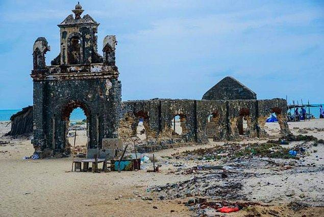 10. Dhanushkodi, Pamban Adası, Hindistan