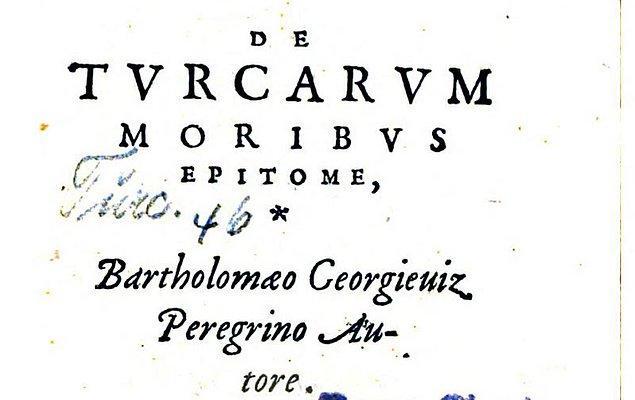 Tüm bu serüvenin ardından 1553'te Paris'te De Turcarum Moribus'u yani Türkçe söylersek Türklerin Kişilikleri Üzerine kitabını yayınlar.