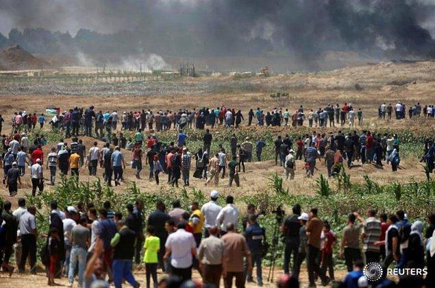 Sınırda çadırlar kuran Filistinliler ABD Büyükelçiliği'nin Kudüs'e taşınmasını protesto etti.