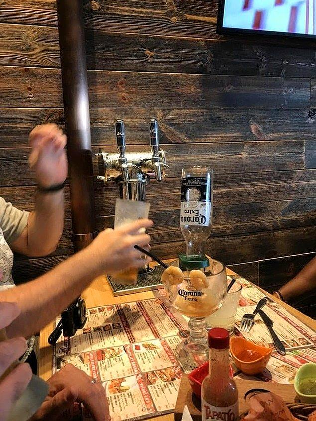 10. Bir restoran düşünün her masasında bira dağıtıcı var. İnanılmazz!