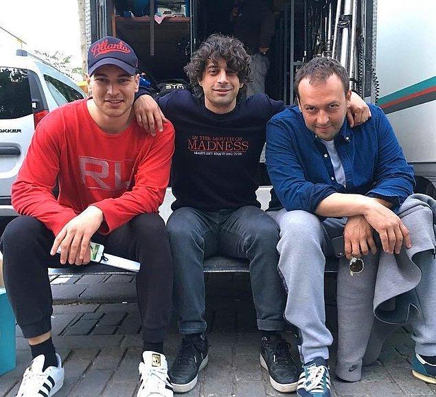 5. Netflix dizisi Muhafız(The Protector)'ın çekimlerinin 58. gününden bir set fotoğrafı yayınlandı: Yönetmen Can Evrenol, Çağatay Ulusoy ve Okan Yalabık.