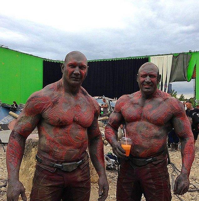 9. Dave Bautista (Drax) ve dublörü Rob de Groot: