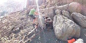 Kayanın Arasına Sıkışan Atı Kurtaran Güzel İnsan