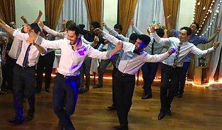 Uruguay'da Düğünde Erik Dalı Oynadılar!