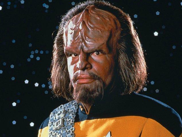 3. Bir adam çocukların dil öğrenme kabiliyetine güvenerek kendi oğluna üç yaşına kadar Star Trek'teki Klingon dilini öğretti. Çocuk ilerleyen yıllarda dili konuşmayı reddedince deney de bir anlamda başarısızlıkla sonuçlandı.