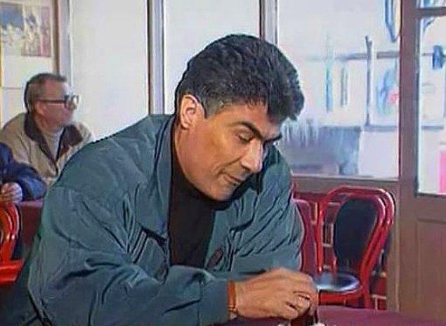 """5. Garsonun """"Birisini bekliyor musunuz?"""" sorusu karşısında sadece susmakla yetinince."""