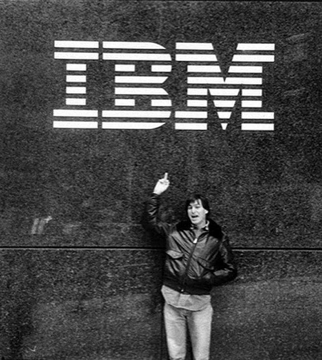 Steve Jobs bu duruma oldukça tepkiliydi.