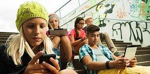 Meclis Onayladı: Fransa'da Öğrencilerin Üniversiteye Kadar Okula Cep Telefonu Getirmesi Yasaklandı