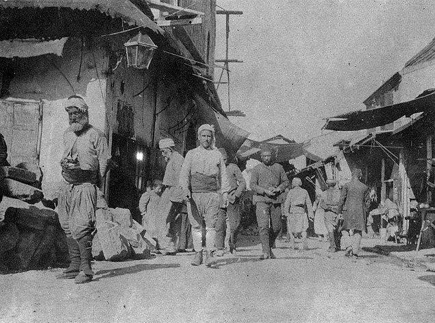 23. Başdurak Camii, Kemeraltı (1909)