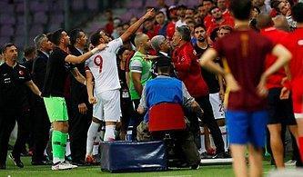 Cenk Tosun Taraftarlarla Tartıştı! Türkiye - Tunus Arasında Oynanan Özel Maça Olaylar Damga Vurdu