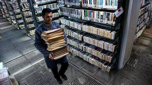 Üniversite kütüphanesi ve kitap sayısında azalma