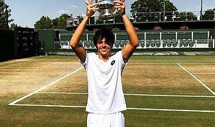 17 Yaşındaki Yankı Erel, Wimbledon'da Şampiyonluk Yaşayan İlk Türk Sporcu Oldu