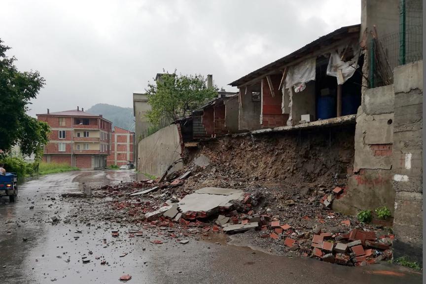 Orduda Sel Felaketi: Köprüler Yıkıldı, Binaları Su Bastı, Yüzlerce Kişi Mahsur Kaldı 5